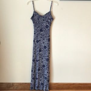 Dresses & Skirts - Vintage blue floral maxi dress small